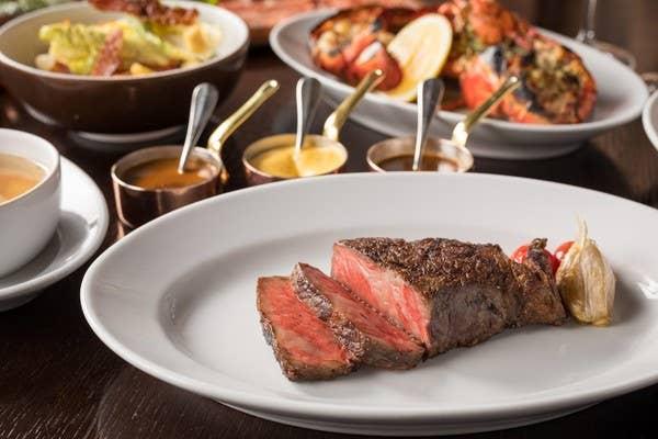【フリーフロー付き!オンライン限定30%オフ】ステーキ&ロブスターが楽しめるフルコースディナー
