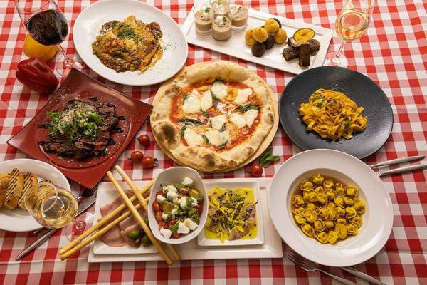 <パーティープランA>ピッツァ・パスタに肉料理含んだメイン3品付き2時間飲み放題全7品コース