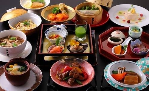 【2周年記念★特別会席】 1,2月 麻婆豆腐や海老チリが入った蓬莱特製 「謝謝会席」