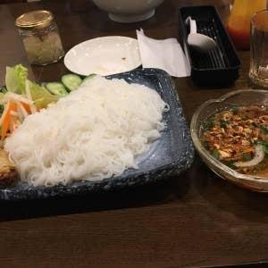 ベトナム料理 Huong Diu