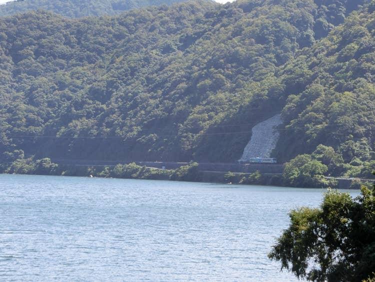 三江線のすぐそばに流れる江の川