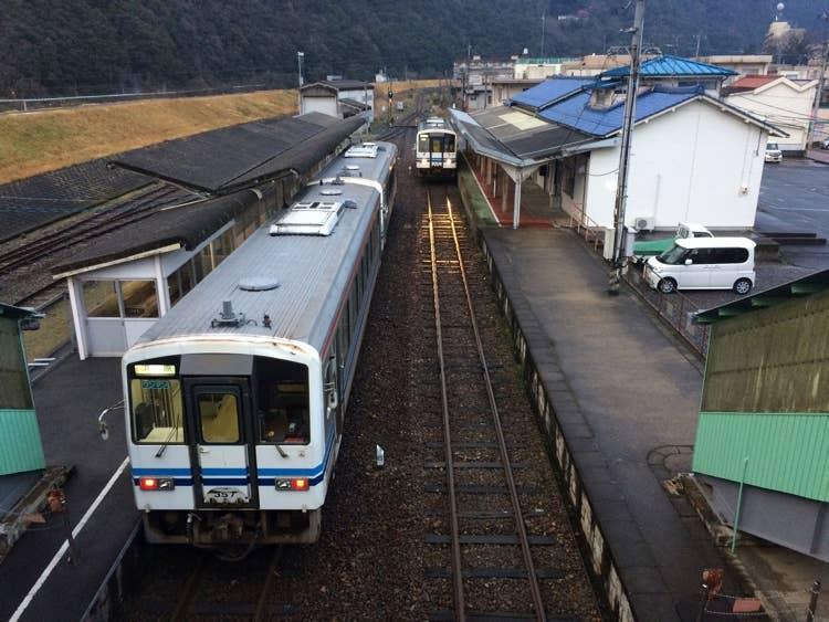三江線の一大スポット「石見川本駅」